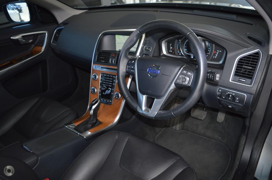 2016 Volvo XC60 D4 Luxury (No Series)