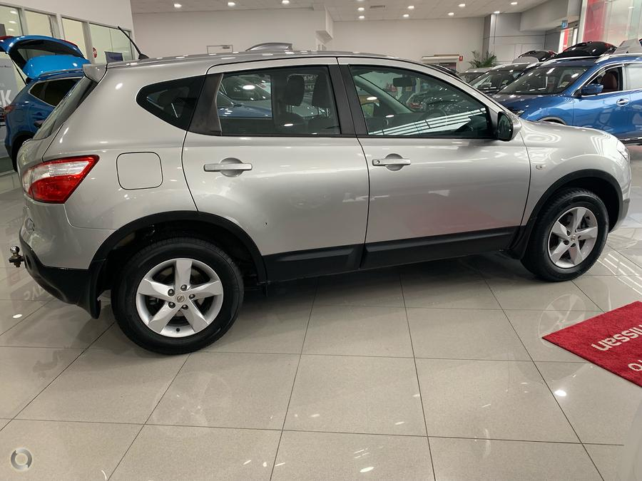 2011 Nissan Dualis ST