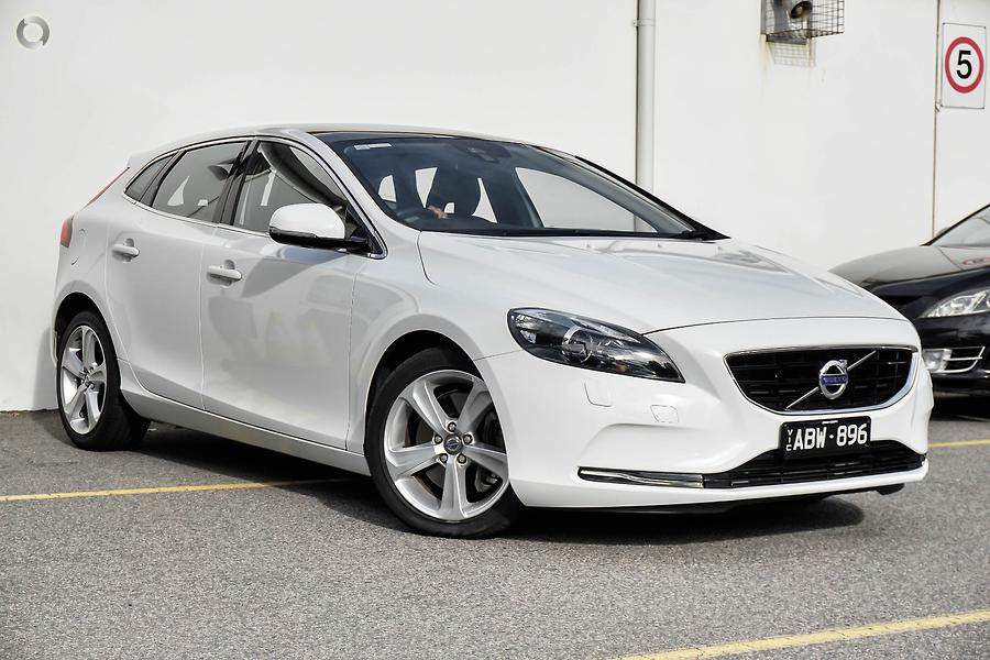 2014 Volvo V40 T4 Luxury (No Series)