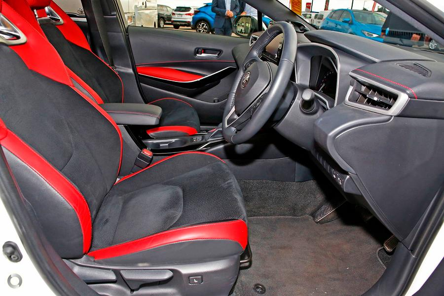 2018 Toyota Corolla ZR Hybrid ZWE211R