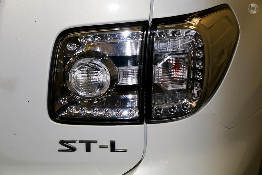 2013 Nissan Patrol ST-L Y62