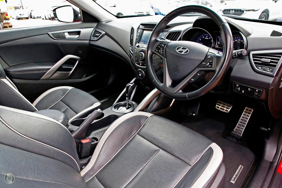 2015 Hyundai Veloster SR Turbo + FS4 Series II