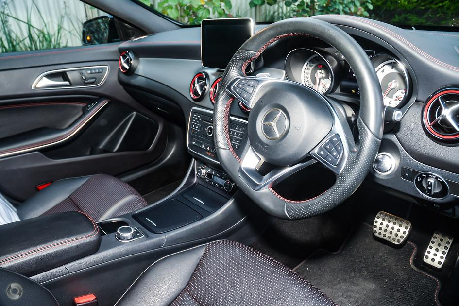 2015 Mercedes-Benz CLA 250 SPORT Shooting Brake