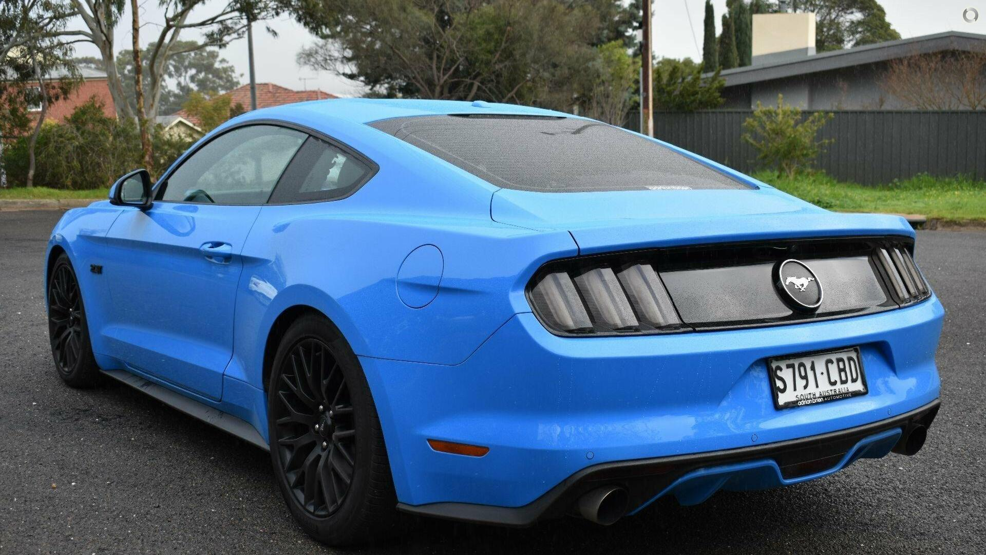 2017 Ford Mustang  FM