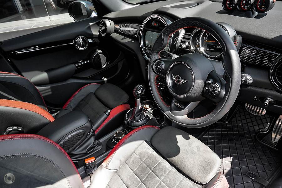 2016 MINI Hatch Carbon Edition