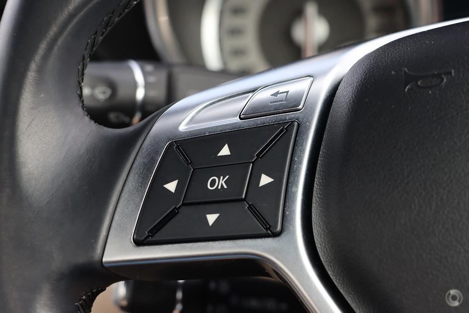 2013 Mercedes-Benz SLK 200 BLUEEFFICIENCY Roadster