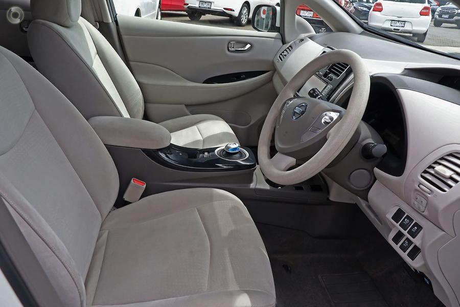 2013 Nissan LEAF  AZE0