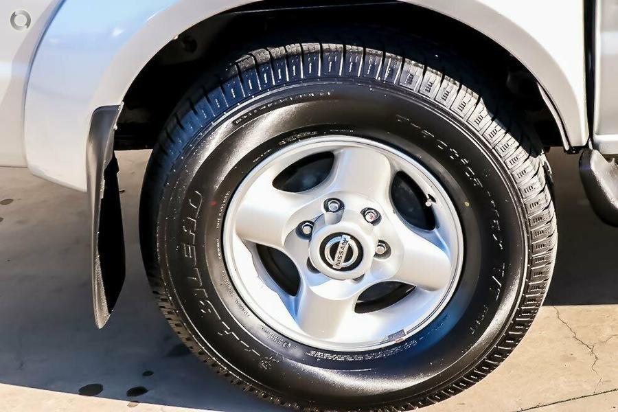 2012 Nissan Navara ST-R D22