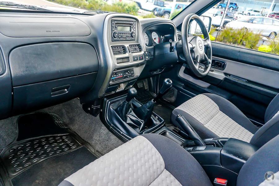 2015 Nissan Navara ST-R