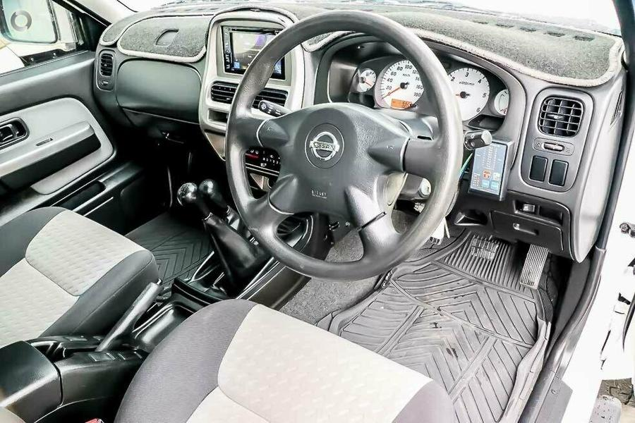 2008 Nissan Navara ST-R D22