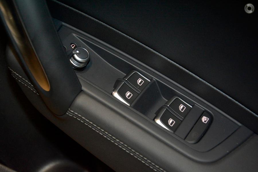 2016 Audi S1  8X
