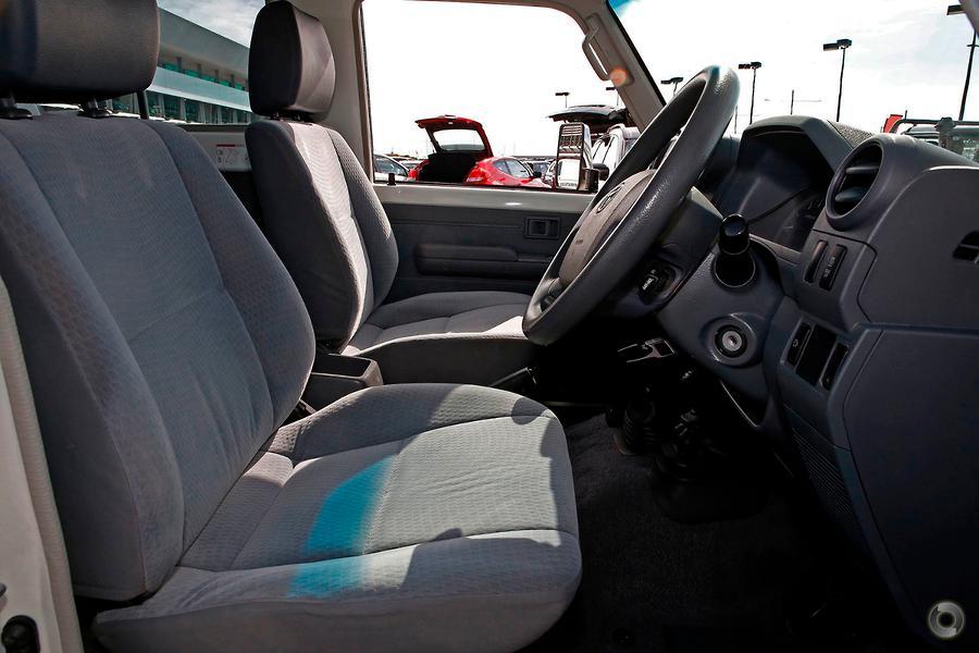 2016 Toyota Landcruiser GXL Troopcarrier VDJ78R