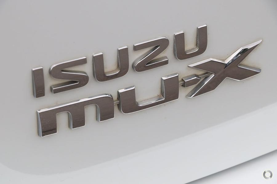 2017 Isuzu MU-X LS-U