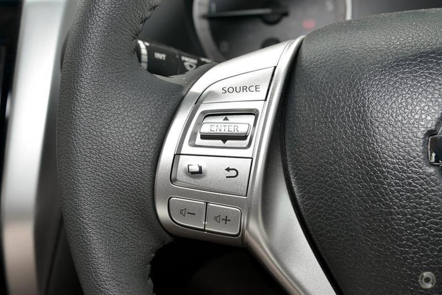 2019 Nissan Navara ST
