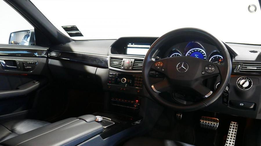2010 Mercedes-Benz E 350 Sedan
