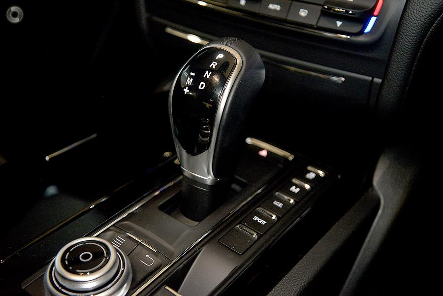 2018 Maserati Ghibli  M157
