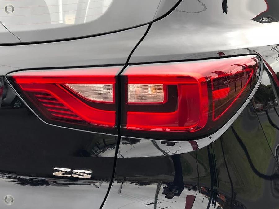2018 MG ZS Essence AZS1