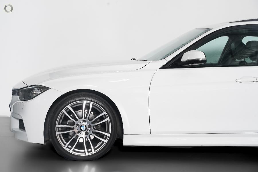 2013 BMW 320i  F30