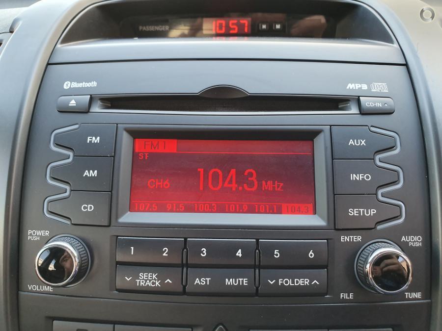 2011 Kia Sorento SLi XM