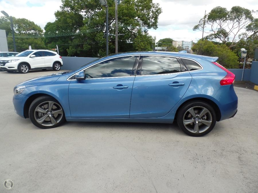 2015 Volvo V40 D4 Luxury (No Series)