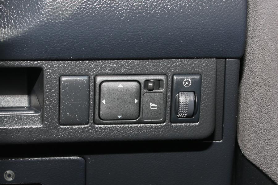 2009 Nissan Tiida ST-L C11