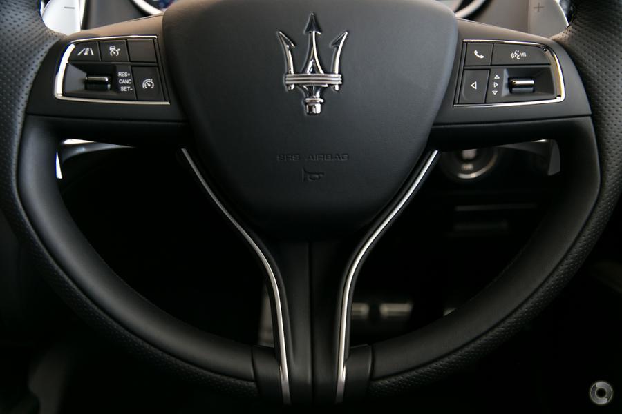 2017 Maserati Ghibli GranSport M157
