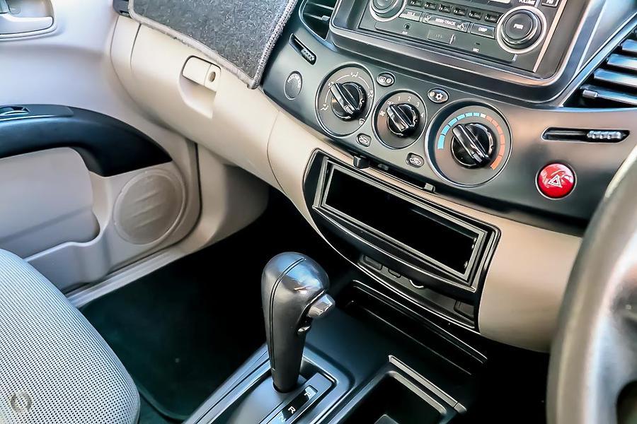 2010 Mitsubishi Triton GLX MN