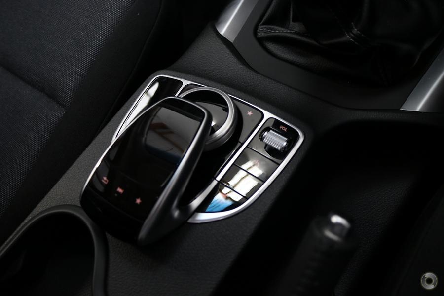2020 Mercedes-Benz X 250 Wellside