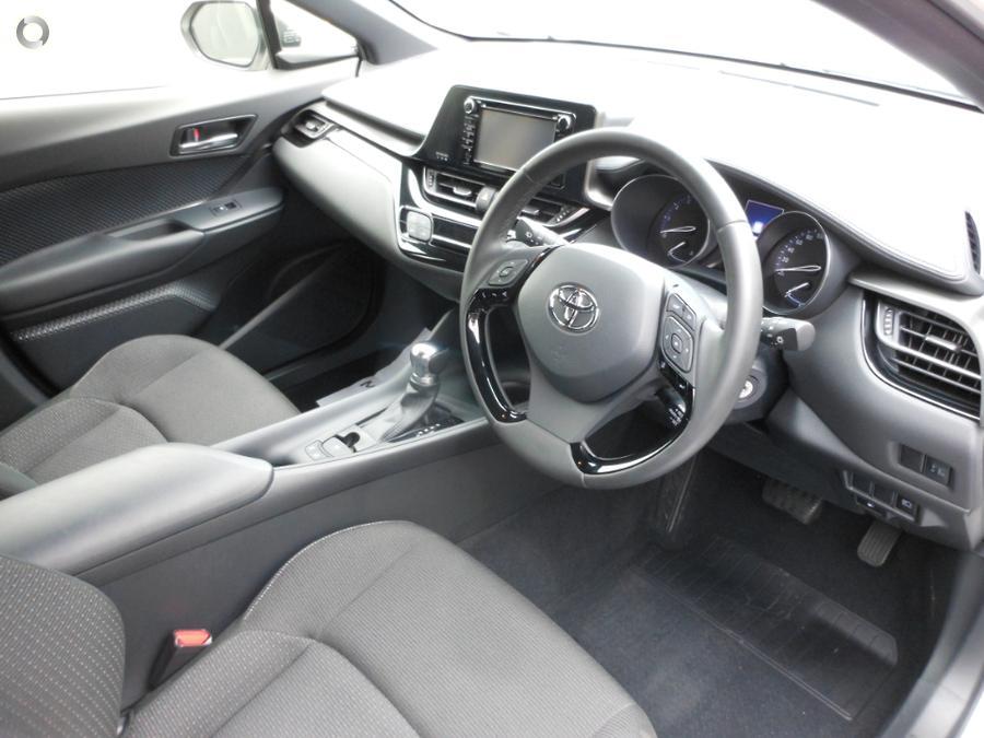 2018 Toyota C-HR  NGX10R