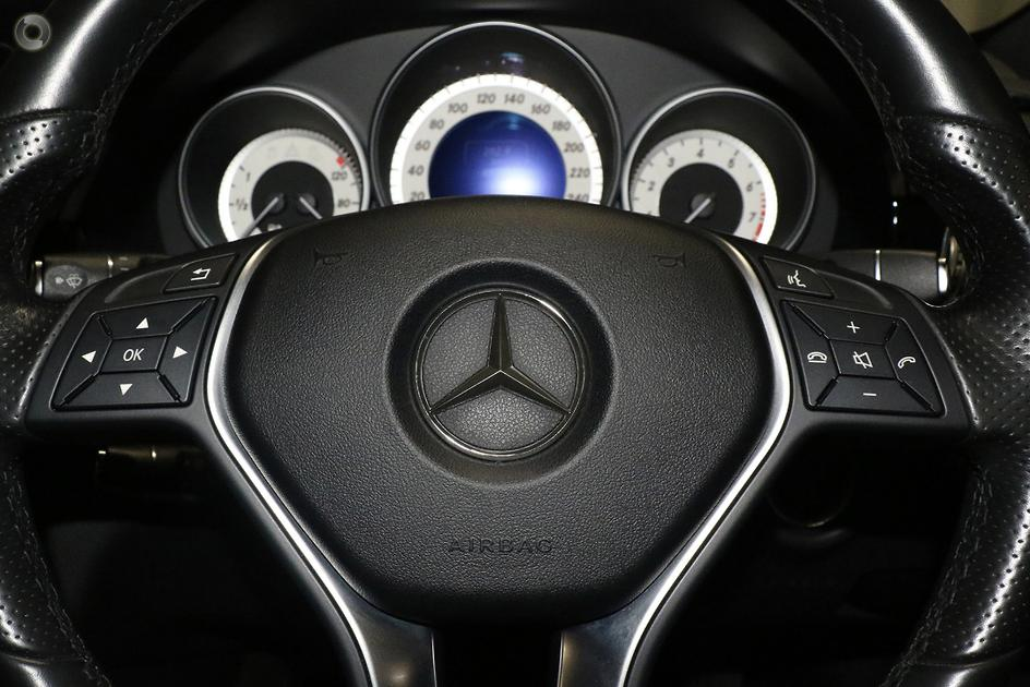 2015 Mercedes-Benz E 200 Sedan