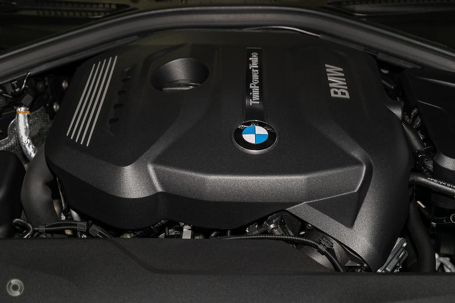 2017 BMW 330i Luxury Line