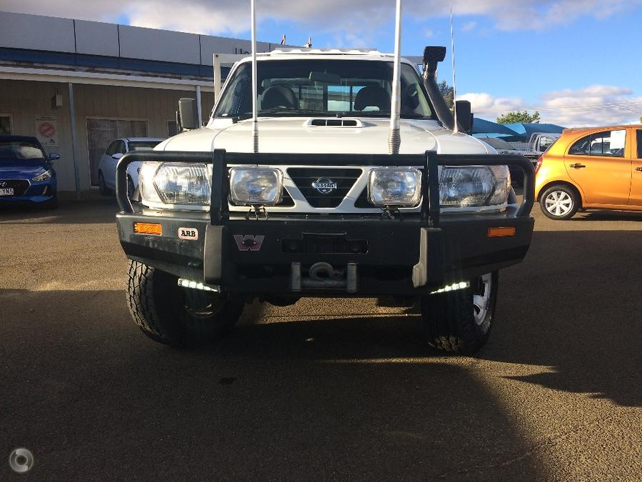 2001 Nissan Patrol ST