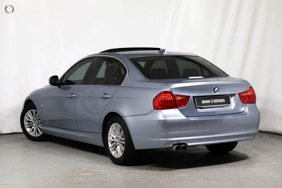 2009 BMW 323i