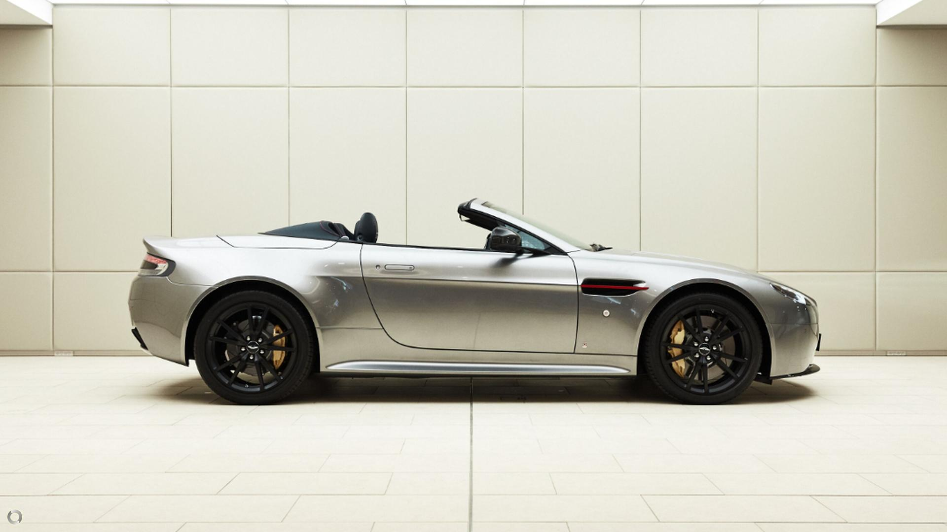 2017 Aston Martin V8 (No Series)