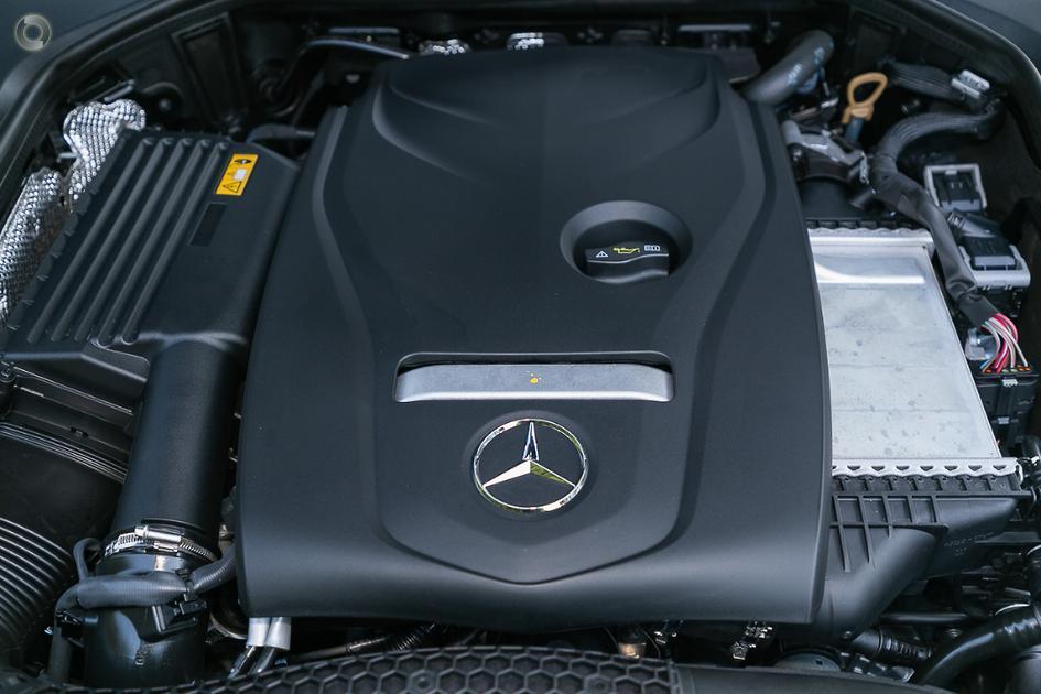 2018 Mercedes-Benz E 200 Sedan