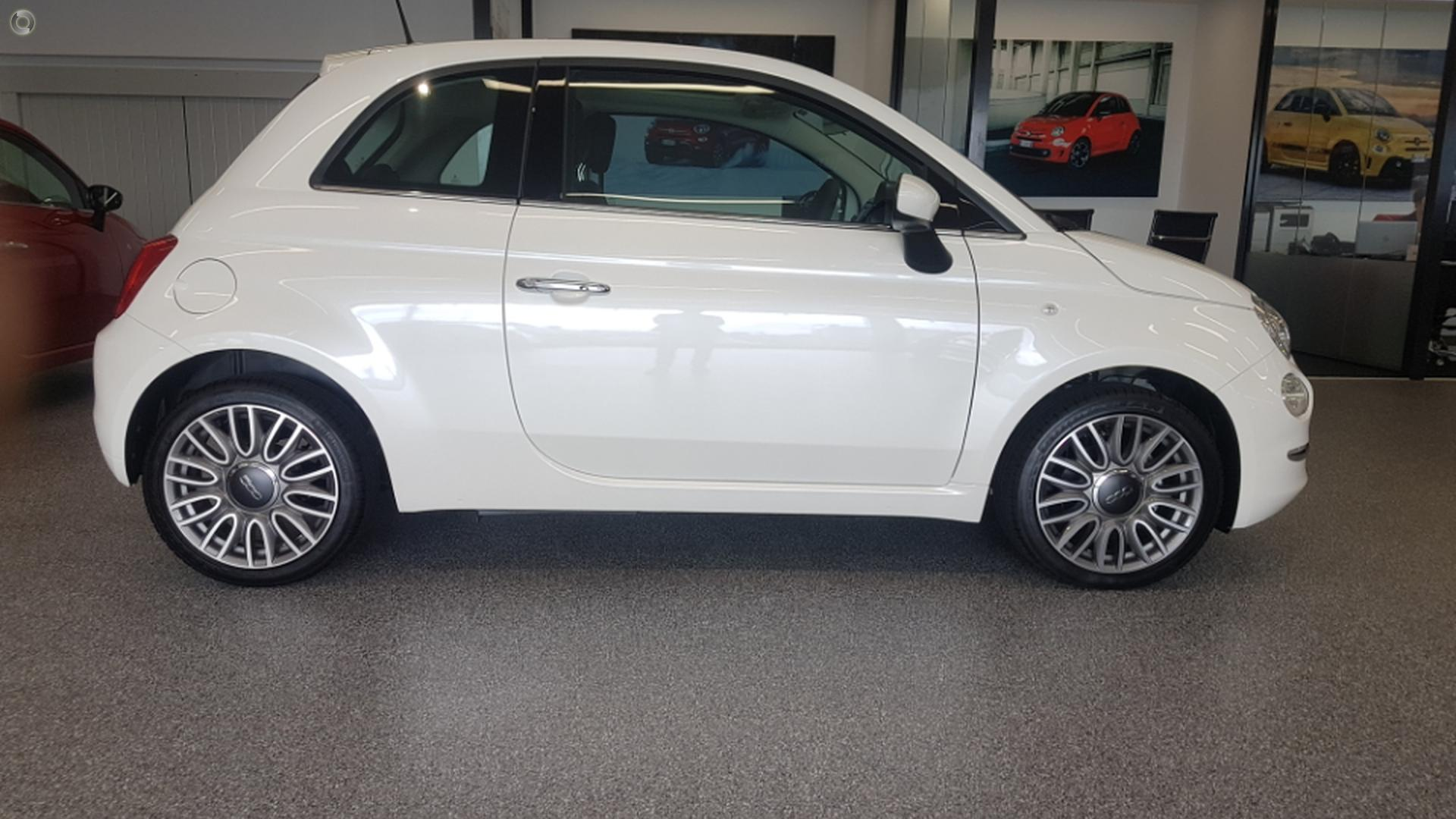 2018 Fiat 500 Lounge Series 6