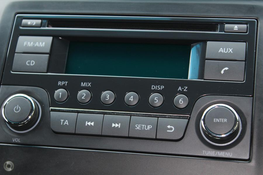 2013 Nissan Navara ST