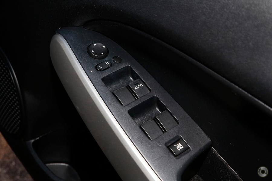 2013 Mazda 2 Maxx DE Series 2