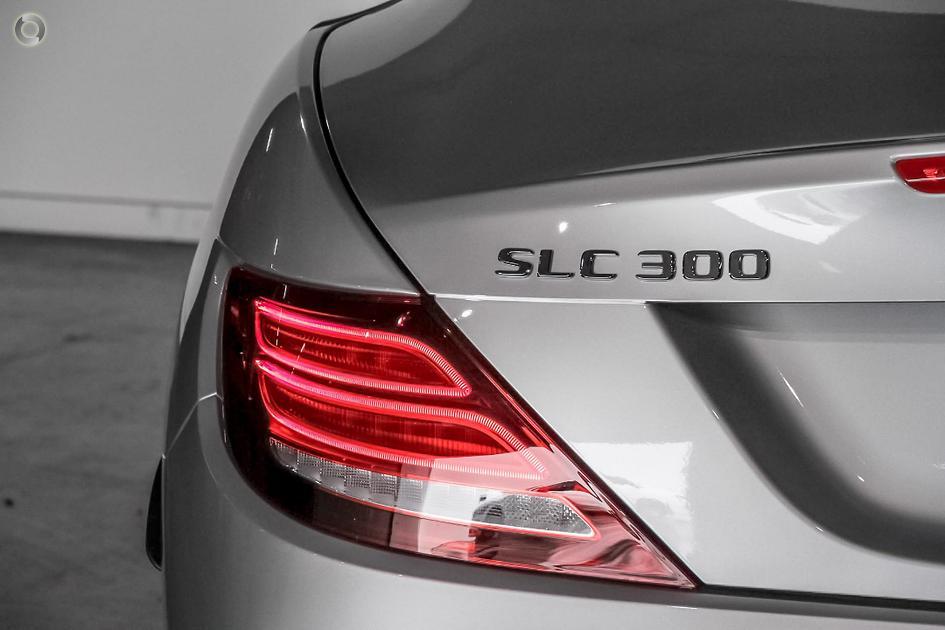 2018 Mercedes-Benz SLC 300 Roadster