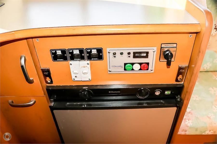 2000 Toyota Camroad