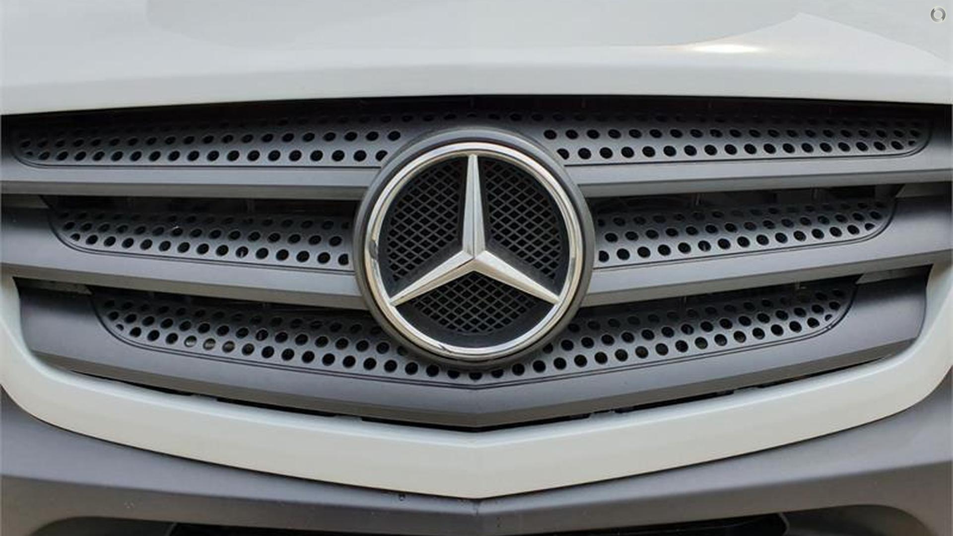 2014 Kea Multi Mercedes Benz V715 5 Berth
