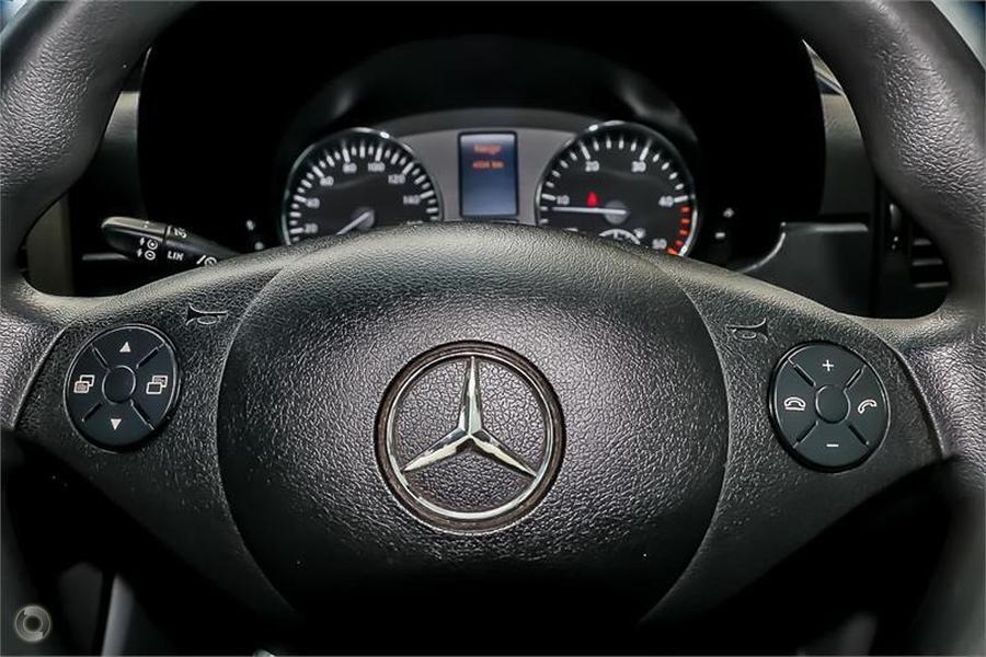 2014 Kea Nomad Mercedes Benz M700 2+1 Berth