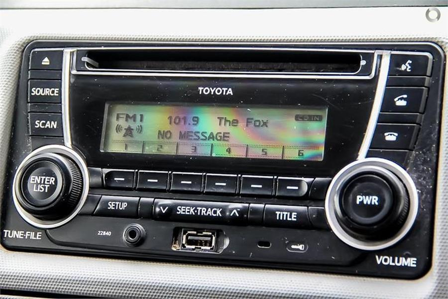 2013 Toyota Hiace Hitop 3 Berth