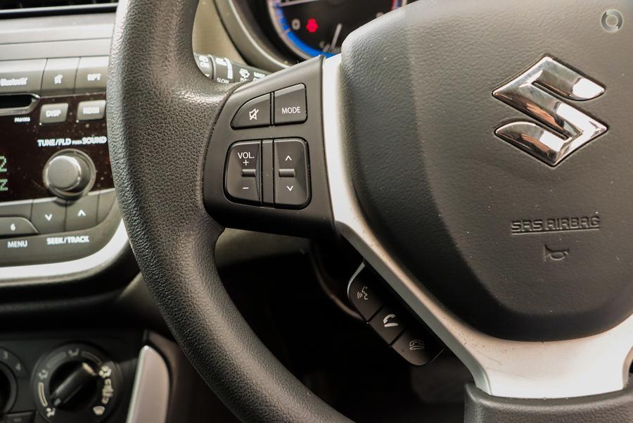 2015 Suzuki S-Cross GLX JY