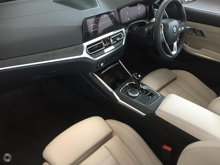 2019 BMW 3 Series 330i Luxury Line
