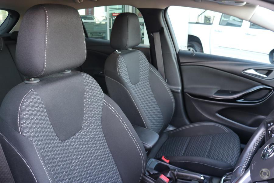 2017 Holden Astra R+ BK