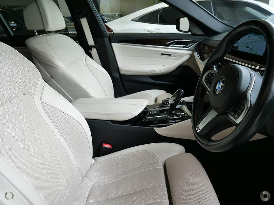 2017 BMW 530i M Sport  G30