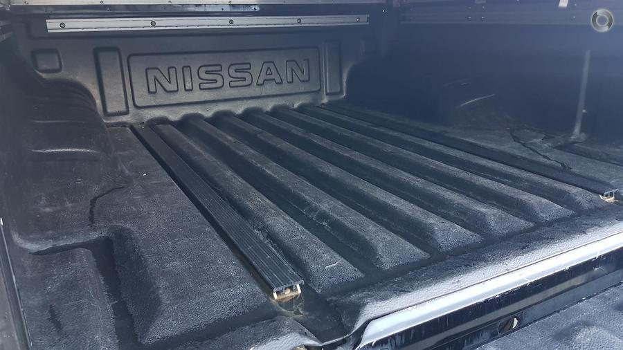 2014 Nissan Navara ST