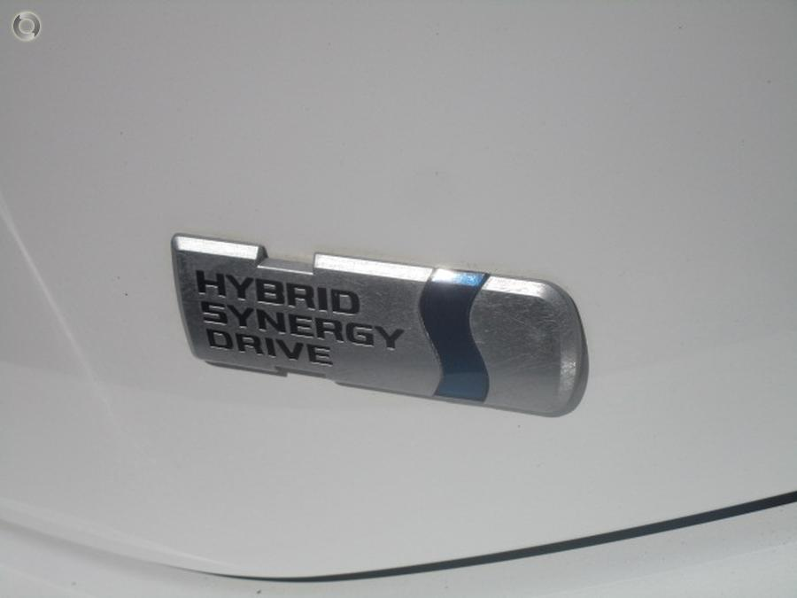 2014 Toyota Prius C  NHP10R
