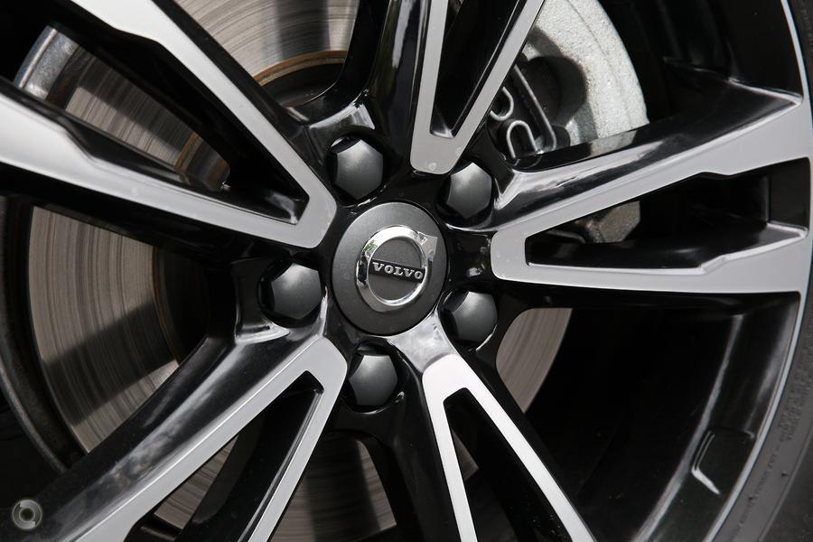 2019 Volvo XC60 D4 Momentum (No Series)